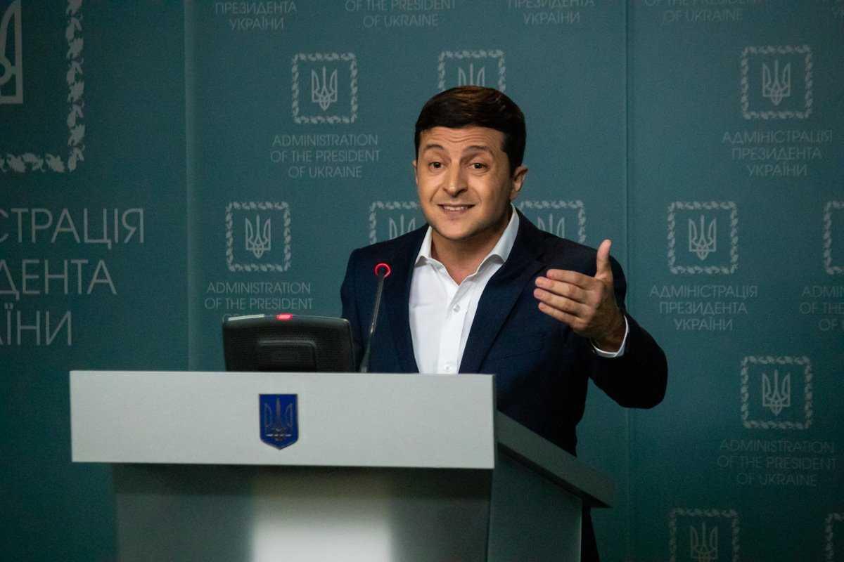 Розгублений президент: що показав брифінг Володимира Зеленського
