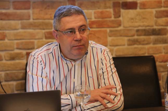 Евгений Шевцов — начальник отдела ГСУ Национальной полиции начинает преследование — блогер