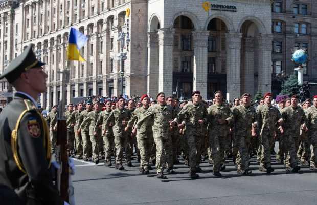 """Об'єднаний """"Марш захисників"""": яким буде альтернативний парад на Хрещатику в День Незалежності"""