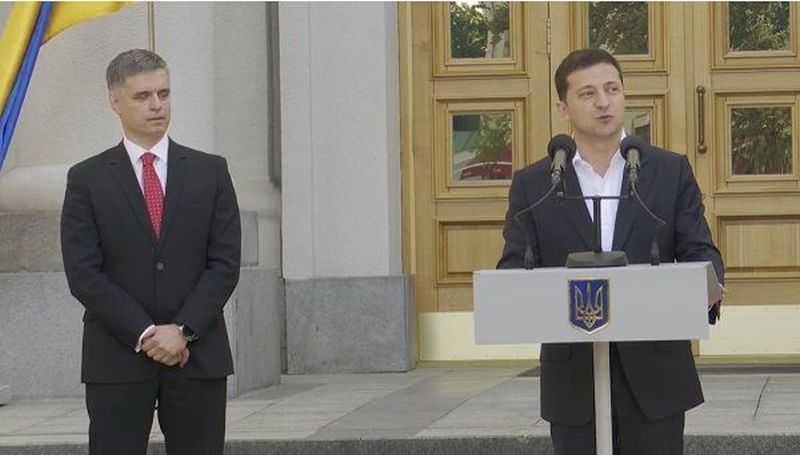 Конфлікт в оточенні Зеленського: професіонали приречені на поразку.