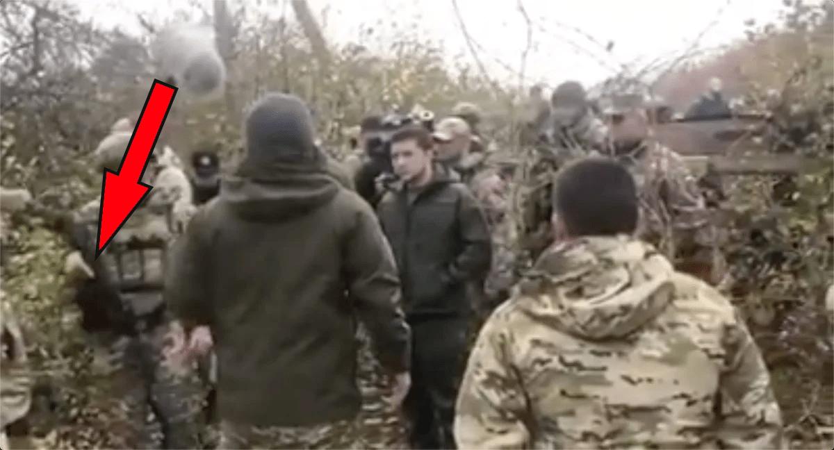 В Золотом охрана Зеленского наставила автомат на добровольца, а преЗЕдент хамил за то, что бойцы против капитуляции