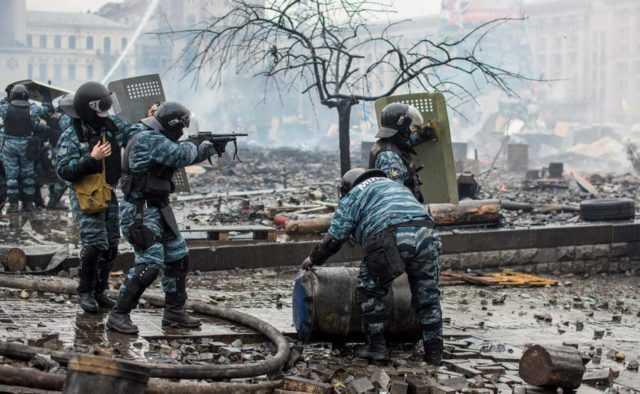 Хроніка реваншу. Суд відпустив підозрюваного в керуванні операцією зачистки Майдану