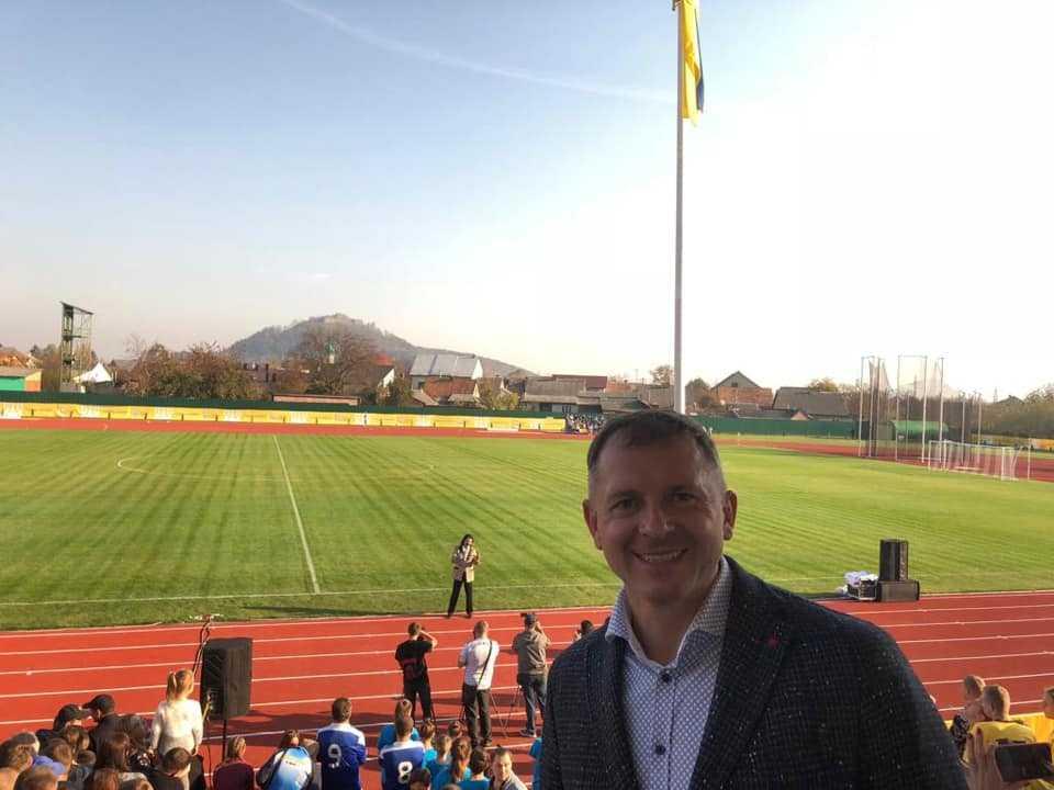 В Хусте открыт реконструированный стадион — Игорь Молоток