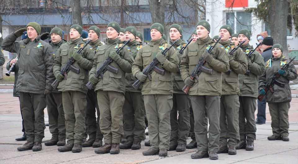 Дев'ятнадцять новобранців Шосткинського полку НГУ прийняли присягу на вірність народу України