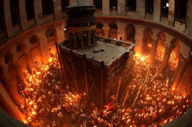 Священик ПЦУ передрік кінець «русского міра» в переддень Великодня і відкрив таємницю сходження Благодатного Вогню