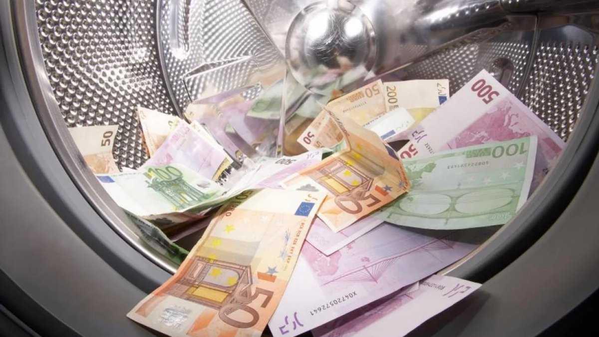 Чиновник українського МВС може бути замішаний у відмиванні грошей в США — ЗМІ