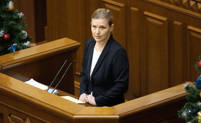 Юлія Лапутіна стала третьою жінкою в чинному складі РНБО
