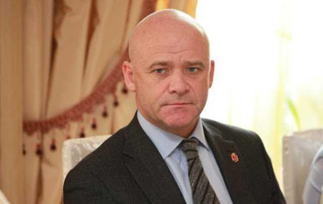 Труханов выдает землю в обмен на квартиры скандального литовского застройщика